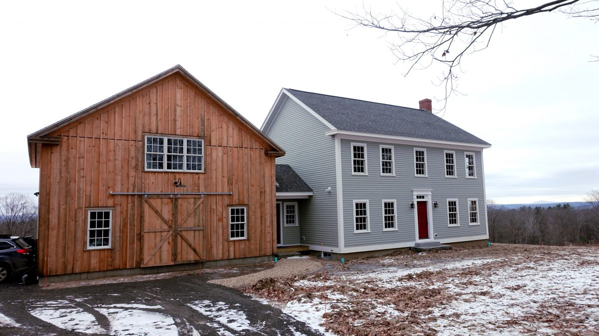 New 3 Bedroom 'Colonial' Style Home